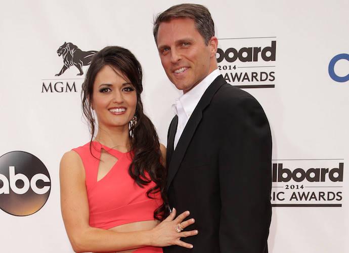 Danica McKellar Weds Boyfriend Scott Sveslosky