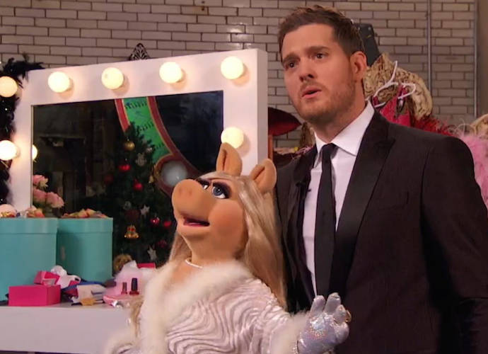 Michael Bublé Performs With Ariana Grande On 'Michael Bublé's Christmas In New York'