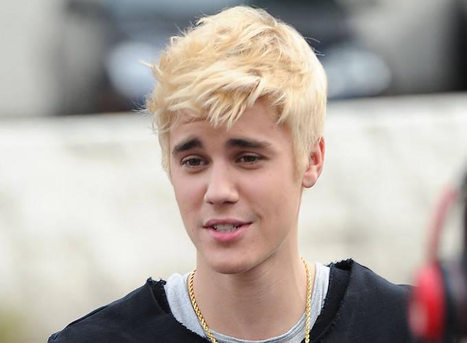 Justin Bieber Sports New Blond Hairdo
