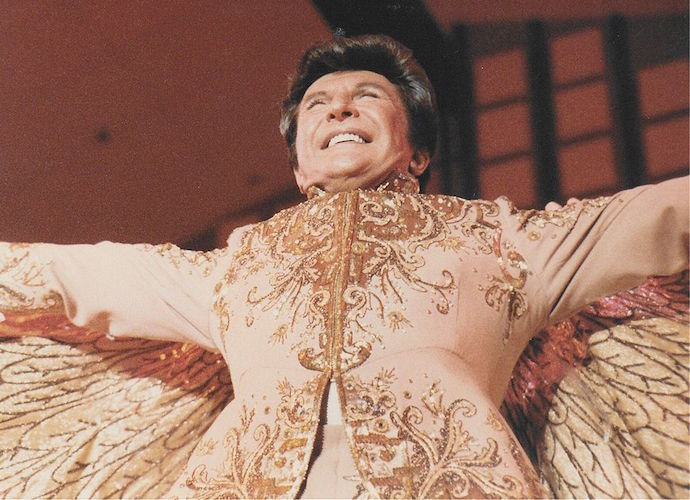 Liberace Hologram Heading Out On Tour