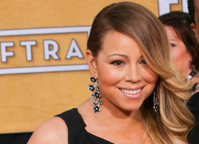 Mariah Carey No-Show At Rockefeller Center Christmas Tree Lighitng Taping, Makes It To Live Show