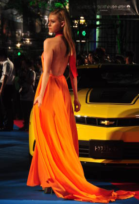 Nicola Peltz on Red Carpet at 'Transformers: Age of Extinction' Premiere