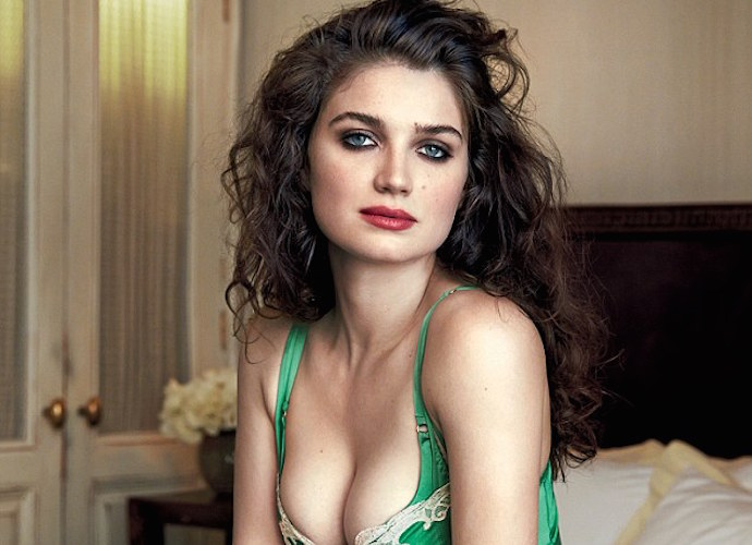 Eve Hewson Bono S Actress Daughter Poses For Gq