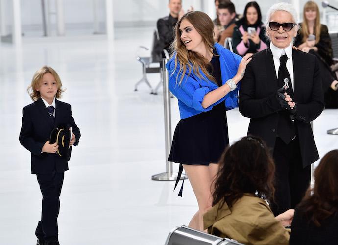 f41b924066d Cara Delevingne And Hudson Kroenig Close Chanel s Paris Fashion Week Show  With Karl Lagerfeld