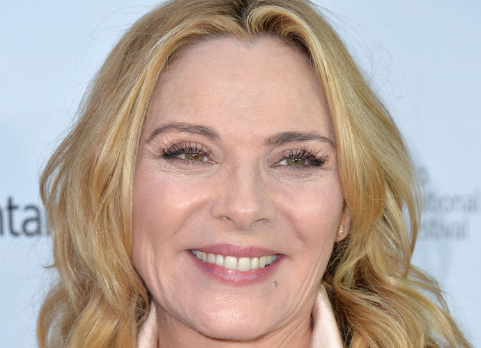 Kim Cattrall Indirectly Reacts To 'Sex And The City' Revival