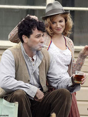 Matthew Rhys And Sienna Miller in 'The Edge of Love' (2008)
