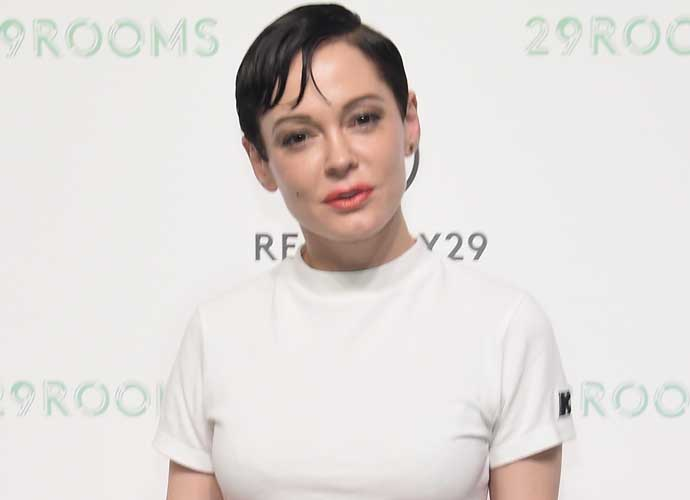 Harvey Weinstein Reportedly Still Tries To Contact Rose McGowan