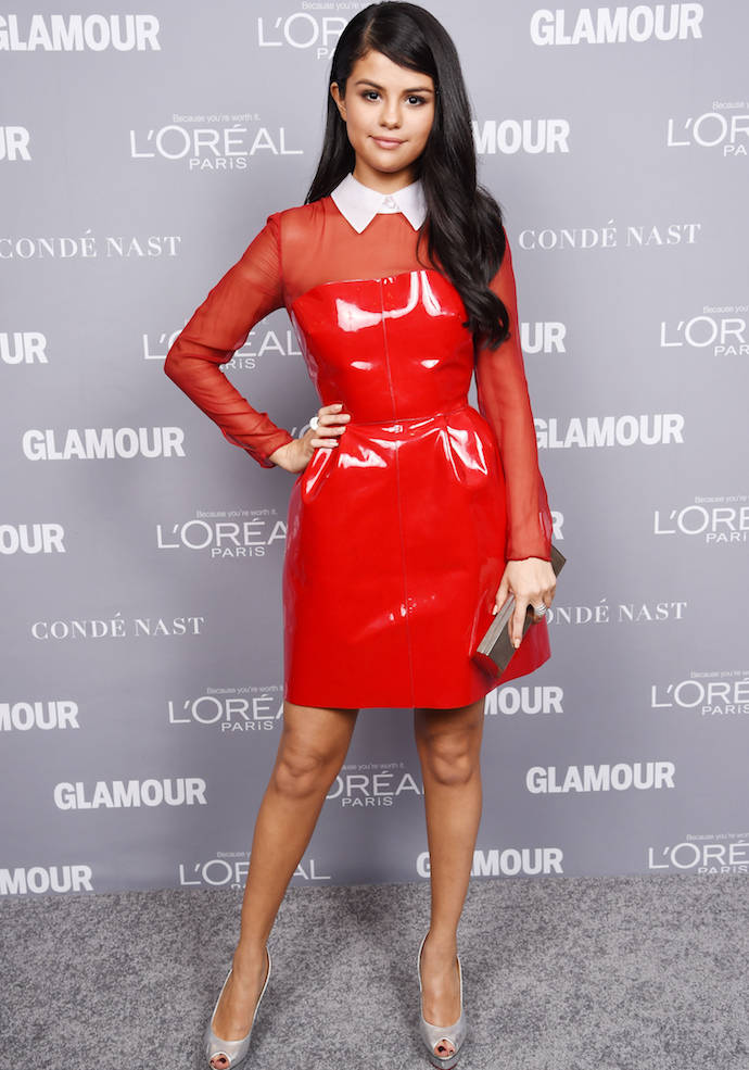 2698151a9e3 Selena Gomez Rocked A Red Dress At Glamour Women Of The Year Awards ...