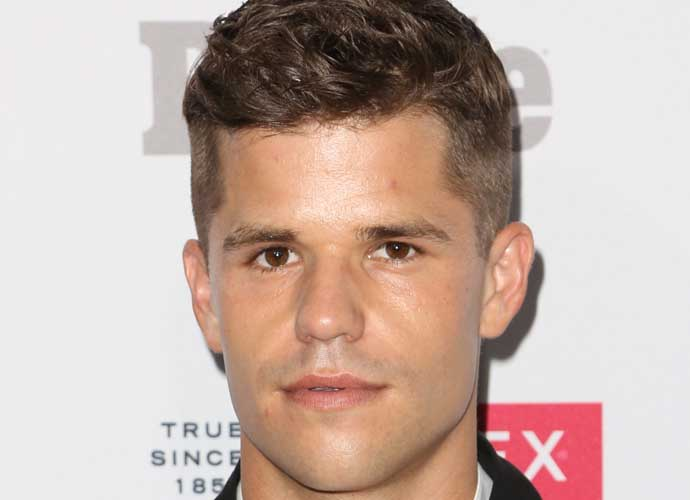 carver gay personals Carvertwins tumblr find them on twitter: max ~ charlie # max carver # charlie carver my new tumblr liam dunbar, hot new beta :.