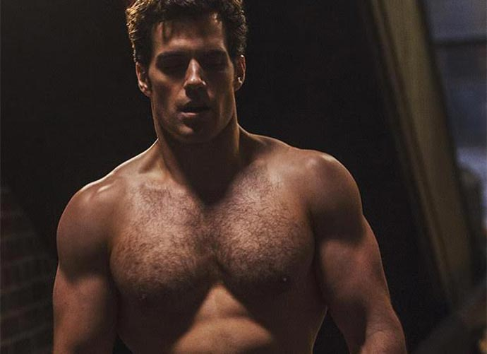 Henry Cavill, \'Man of Steel\' Star, Once Got Locked Out His Hotel ...