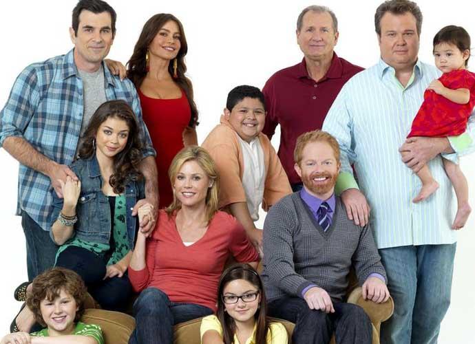 Modern Family Season 7 Episode 12 Recap The Dunphy Family Tidies Up Uinterview