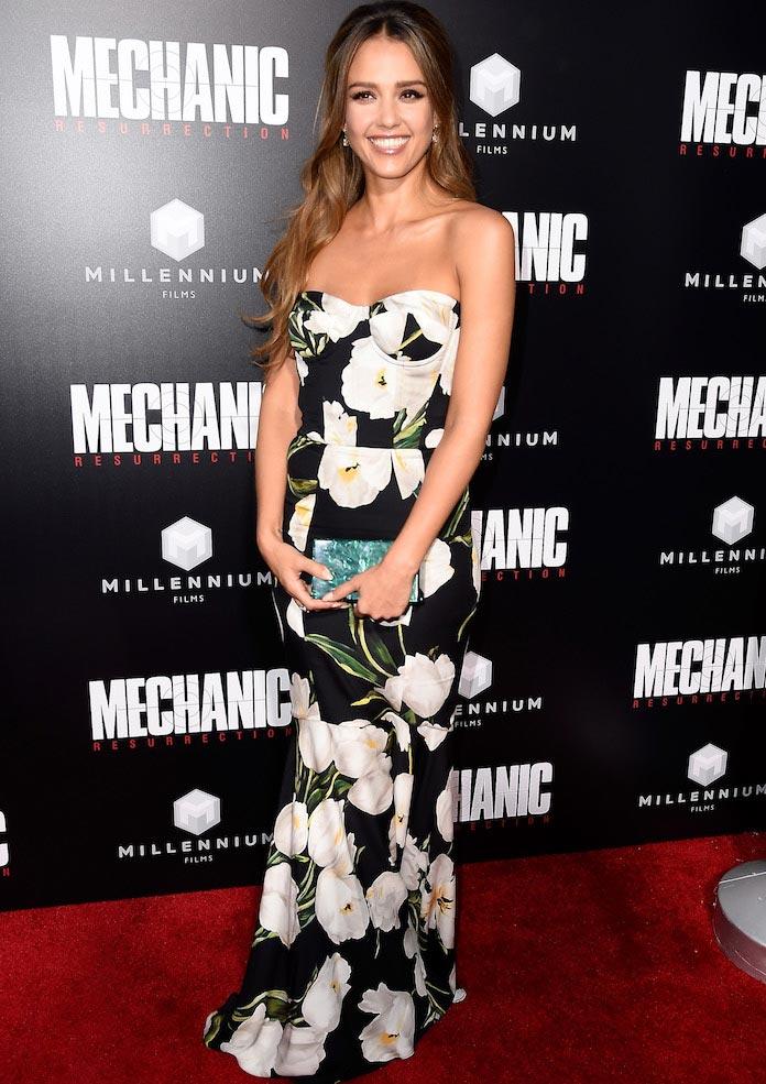 c1ea902370ef Jessica Alba Dons Dolce   Gabbana At The  Mechanic  Resurrection  Premiere