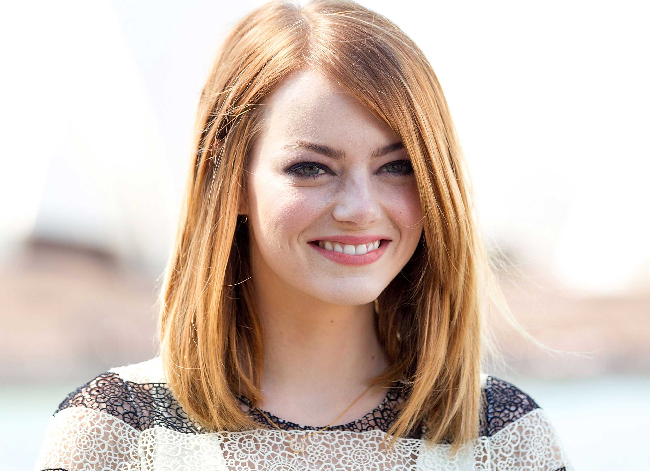 Saturday Night Live' Christmas Song Features Emma Stone [VIDEO ...