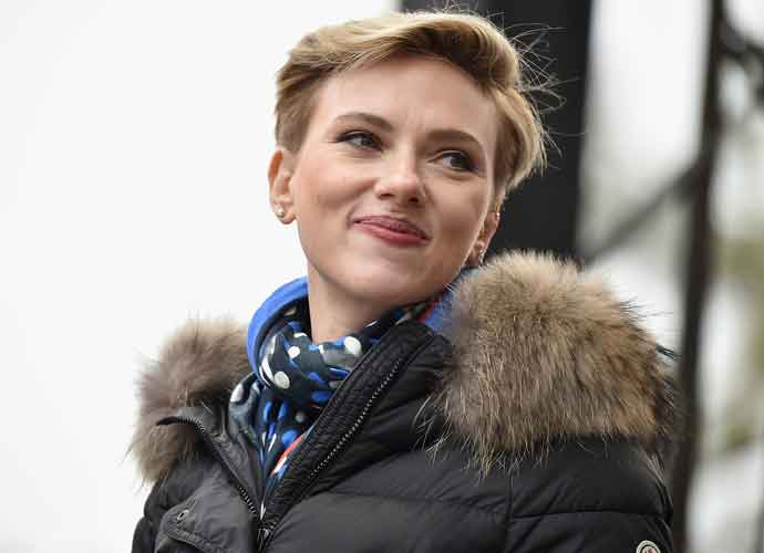 Scarlett Johansson Reportedly Dating 'SNL's Colin Jost