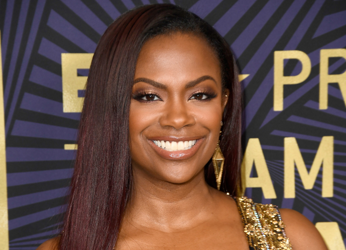 Kandi Burruss Real Housewives Of Atlanta Star Claims She Hooked
