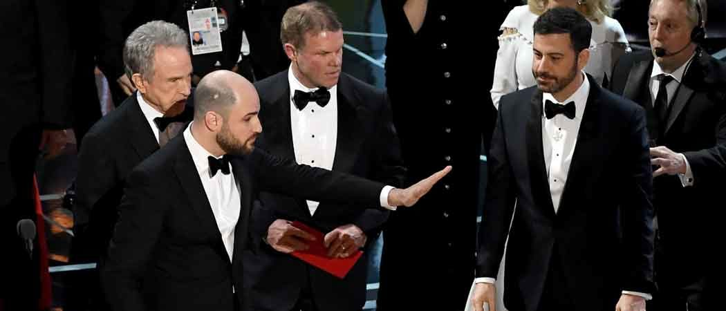 Oscars 2017: 'Moonlight' Takes Best Picture, After La La Land Incorrectly Named Winner [VIDEO]