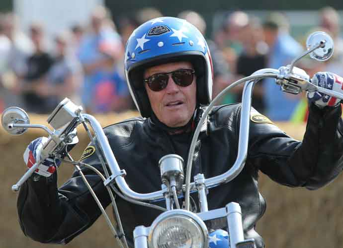 Peter Fonda, 'Easy Rider' Star, Dead At 79 After Battle With Lung Cancer; Tributes Pour In