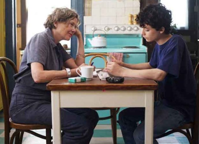 '20th Century Women' Blu-ray Review: A Stirring & Nostalgic Masterpiece