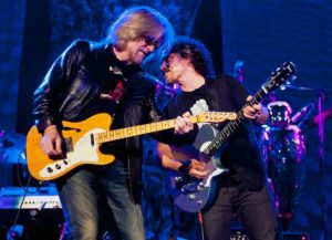 NASHVILLE, TN - JUNE 02: (L-R) Daryl Hall and John Oates of Hall & Oates perform at the Ryman Auditorium on June 2, 2013 in Nashville, Tennessee. (Image: Wikimedia)