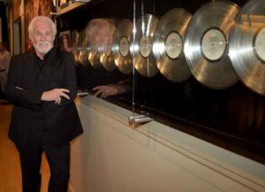 NASHVILLE, TN - AUGUST 13: Country Music Hall of Fame member Kenny Rogers at the Country Music Hall of Fame Kenny Rogers Exhibit Opening Reception at the Country Music Hall of Fame and Museum on August 13, 2014 in Nashville, Tennessee. (Image: Getty)