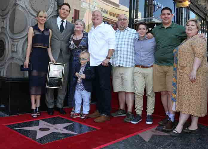 Chris Pratt, Anna Faris and family (2017)