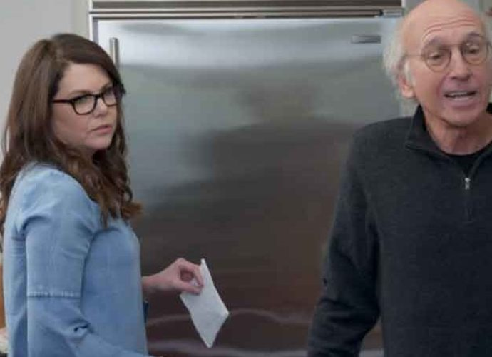 'Curb Your Enthusiasm' Season 9, Episode 8 Recap: Tipping & Waiting In Line
