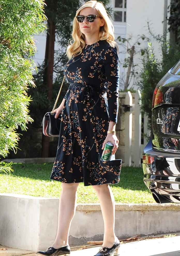 Kirsten Dunst Shows Off Baby Bump; Actress Reportedly ...