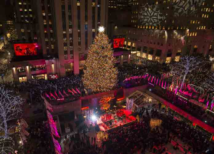 Diana Ross More Perform At Rockefeller Center Christmas Tree