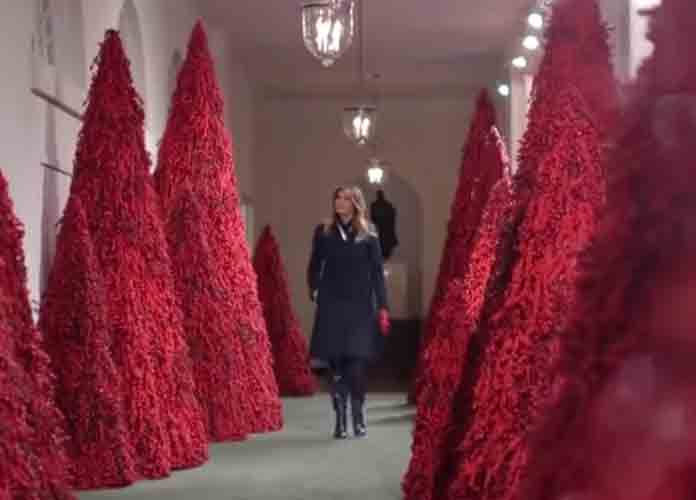2019 White House Christmas.Melania Trump Defends White House S Red Christmas Trees