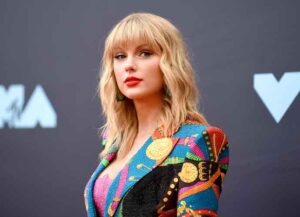 NEWARK, NEW JERSEY - AUGUST 26: Taylor Swift attends the 2019 MTV Video Music Awards at Prudential Center on August 26, 2019 in Newark, New Jersey. (Photo: Getty)
