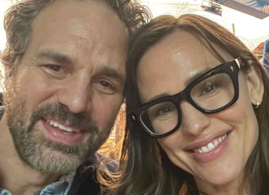 '13 Going On 30′ Stars Jennifer Garner & Mark Ruffalo Reunite – 17 Years Later