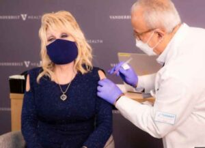 Dolly Parton Receives Her First Dose Of COVID-19 Vaccine (Image: Twitter)