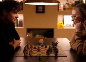 Henry Cavill & Natalie Viscuso play chess (Image: Instagram)