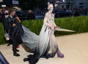 NEW YORK, NEW YORK - SEPTEMBER 13: Grimes attends The 2021 Met Gala Celebrating In America: A Lexicon Of Fashion at Metropolitan Museum of Art on September 13, 2021 in New York City. (Photo by Theo Wargo/Getty Images)