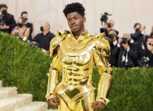 NEW YORK, NEW YORK - SEPTEMBER 13: Lil Nas X attends The 2021 Met Gala Celebrating In America: A Lexicon Of Fashion at Metropolitan Museum of Art on September 13, 2021 in New York City. (Photo by Mike Coppola/Getty Images)