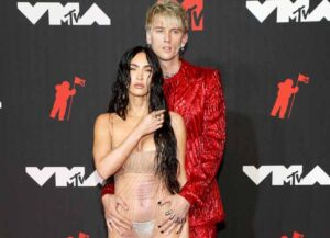 NEW YORK, NEW YORK - SEPTEMBER 12: (L-R) Megan Fox and Machine Gun Kelly attend the 2021 MTV Video Music Awards at Barclays Center on September 12, 2021 in the Brooklyn borough of New York City. (Photo by Kevin Mazur/MTV VMAs 2021/Getty Images for MTV/ ViacomCBS)