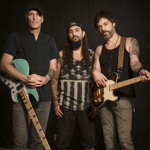 Richie Kotzen Interview On The Winery Dogs, Touring, Guitar Tips