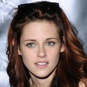Kristen Stewart Learns To Smile