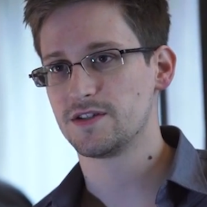 Edward Snowden Claims NSA Analysts Share Citizen's Private Racy Photos For Fun