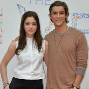 Brenton Thwaites And Odeya Rush On 'The Giver,' Working With Jeff Bridges & Taylor Swift [EXCLUSIVE VIDEO]