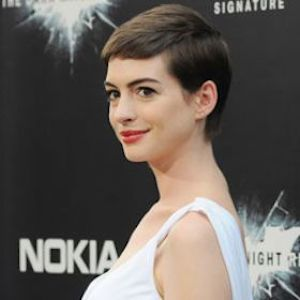 Anne Hathaway Says Fame 'F–ked Me Up'