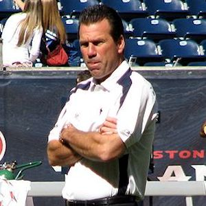 Gary Kubiak, Houston Texans Head Coach, Rushed To Hospital During Game