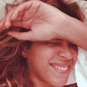 Beyonce Shows Off Her '***Flawless' Face In Makeup Free Selfies
