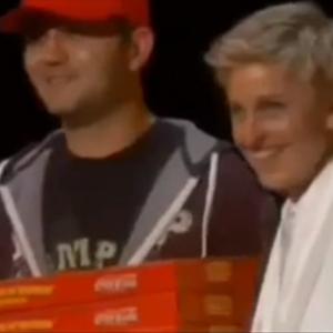 Ellen DeGeneres Orders Pizza Mid Oscars; Meryl Streep, Julia Roberts, Jared Leto Dig In