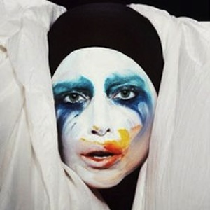 Lady Gaga May Perform In Space In 2015