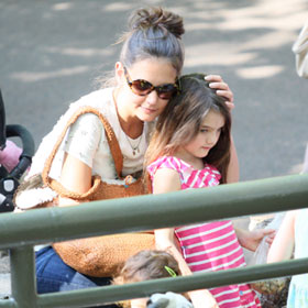Katie Holmes Pets Suri Cruise At The Central Park Zoo