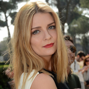 'The OC' Star Mischa Barton's Beverly Hills Pad Is In Foreclosure