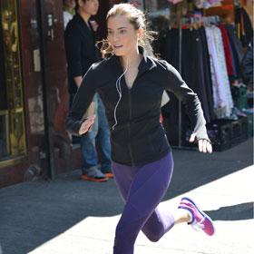 Allison Williams Hits Her Stride On 'Girls' Set