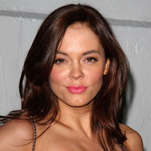 Rose McGowan Apologizes For Suggesting Gay Men Are 'More' Misogynistic Than Straight Men, Stands By Criticism Of Gay Community