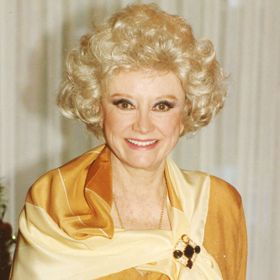Pioneering Comedian Phyllis Diller Dies At 95, Stars React On Twitter